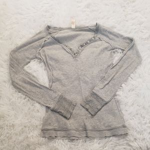 No boundaries Striped grey shirt